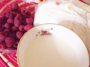 Main ingredients: raspberries, cream, meringue