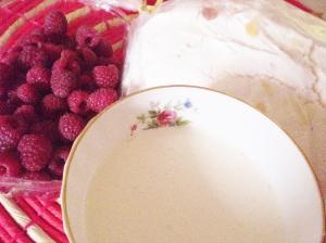Main ingredients: raspberries, cream, meringue