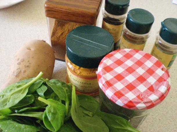 Spicy potatoes - main ingredients