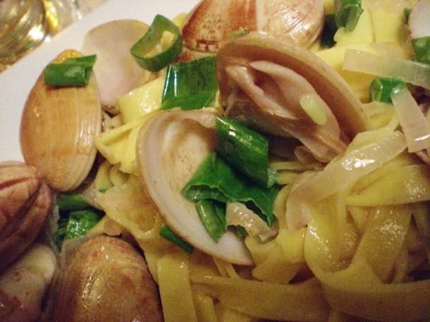 Clams and pasta, pâtes fraîches aux palourdes